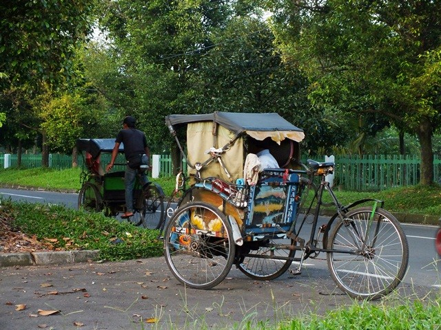 Indonesian Three Wheeler Becak - Ricksaw