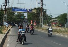 Reckless Actions Indonesia Motorcyclists Do